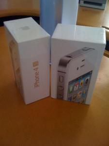 WTS :// Unlocked Apple iPhone 4s 32GB , Apple iPad 2 White/Black 64GB 3G WiFi