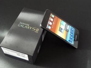 للبيع::BlackBerry P'9981 Porsche Design With English&Arabic Keypad,iPhone 4s 64GB&Samsung I9100