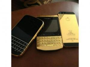 WTS: Apple IPad Air 128GB & iPhone 5S Gold $550 Whatsapp: +601126619700