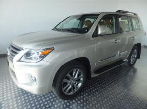 New Arrival Selling my 2013 Lexus LX 570 Base