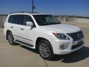 For sale: 2013 Lexus LX 570 V8 4WD 4dr SUV Jeep Full Options
