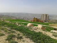 ارض للبيع في صافوط/ مرج البير - تحت قصر الاميرة بسمة منط�